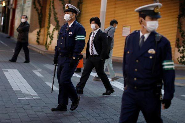 Phớt lờ lệnh cấm đến tụ điểm giải trí mùa dịch, nghị sĩ Nhật nhận kết đắng