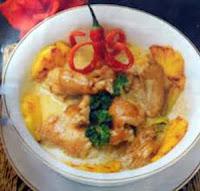 Opor ayam yummy dengan kombinasi nanas sanggup menjadi hidangan kesukaan keluarga RESEP OPOR AYAM GULAI NANAS
