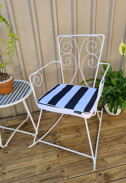 Retro wrought iron outdoor furniture upcycling DIY project tutorial