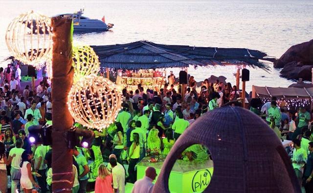 Beach Club Phi em Sardenha