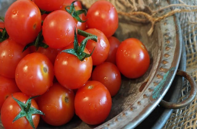 Tomat mengandung likopen