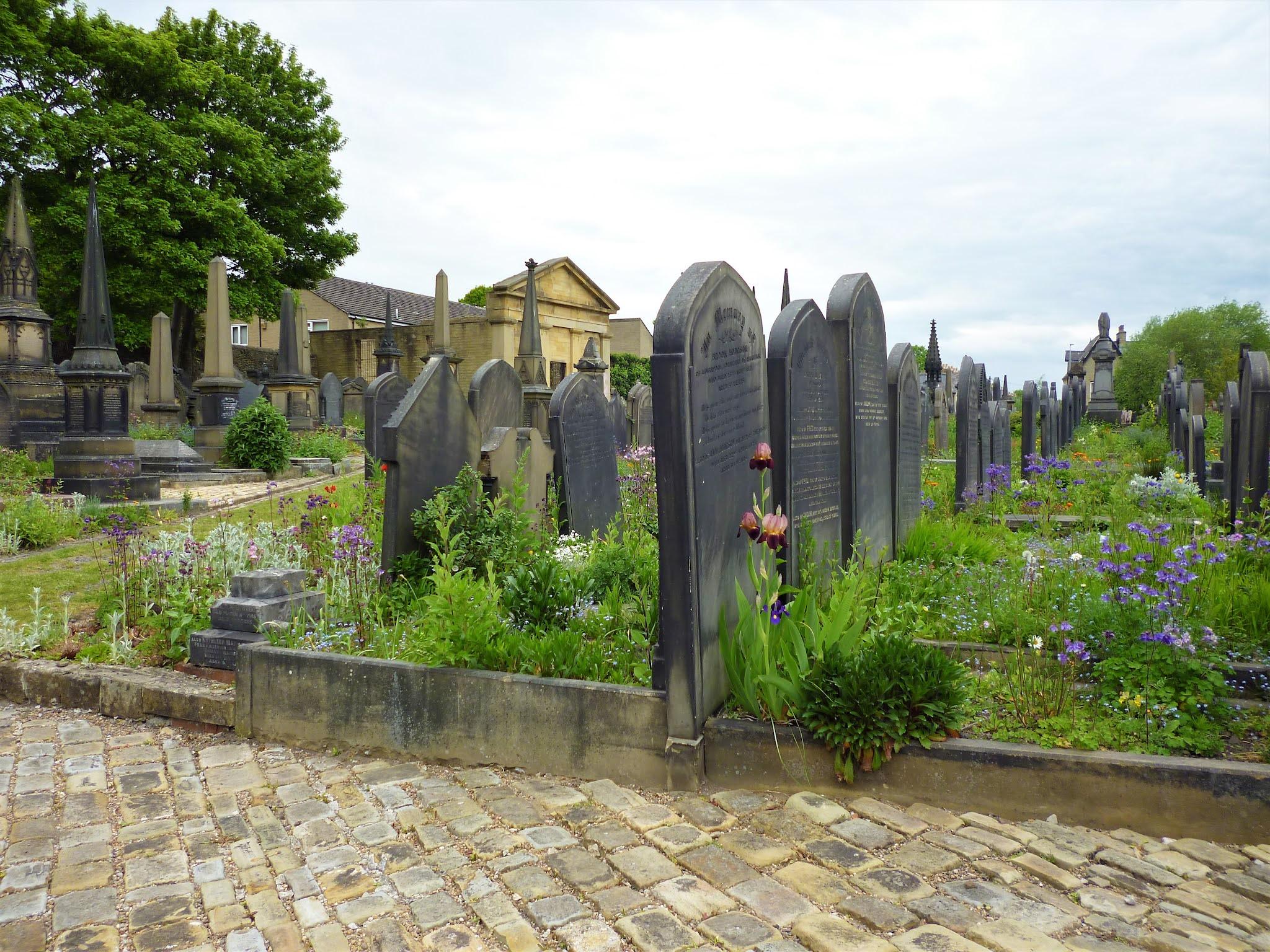 Lister Lane Cemetery (Halifax, United Kingdom)