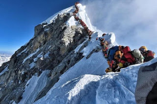 Karena virus corona, nepal tutup pendakian gunung everast