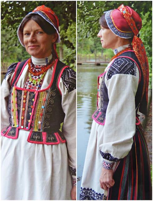 Belarus festive costume with headdress