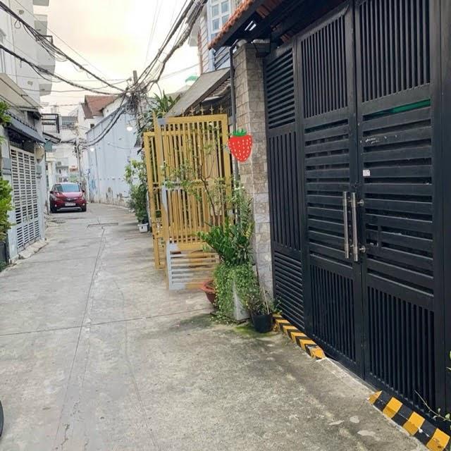 Bán nhà hẻm xe hơi phường Phú Thuận