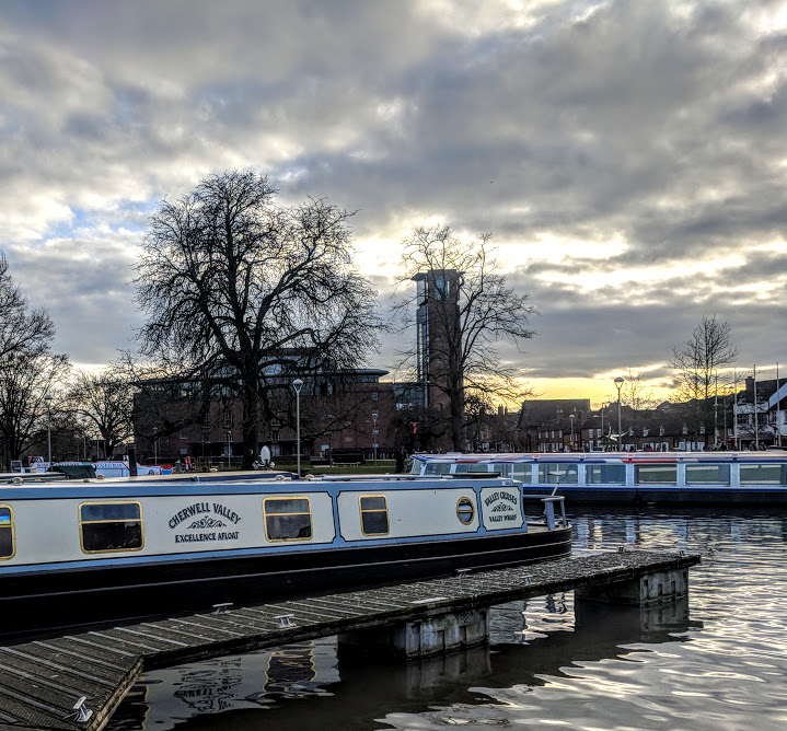 A Quick Guide to Visiting Stratford-Upon-Avon with Kids (on a budget)  - canal boats