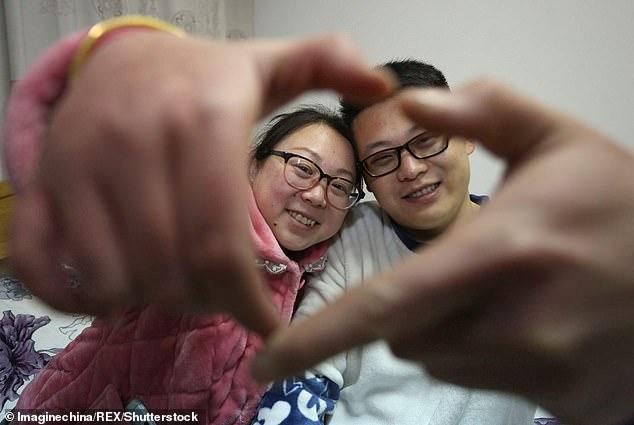 """η εγχείρηση απέτυχε, αφήνοντας """"φυτό"""" την 20χρονη Xiaoyu"""