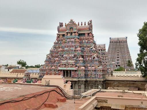 srirangam temple praharam
