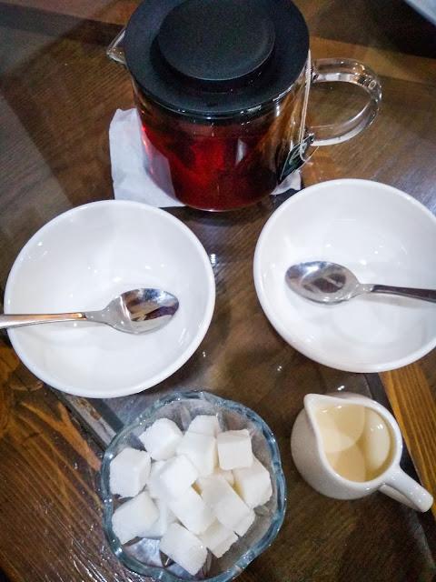 Tea at Khalif, Astana