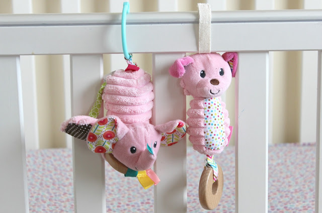 Infantino Pink Jittery Elephant and Pink Dog Chime Review