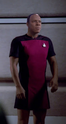 The Sisko wearing TNG skant uniform