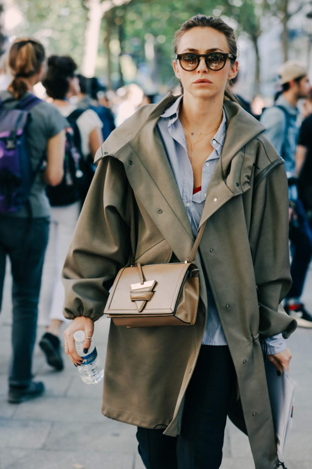 19 Best Green Jackets For Fall – Street Style Inspiration