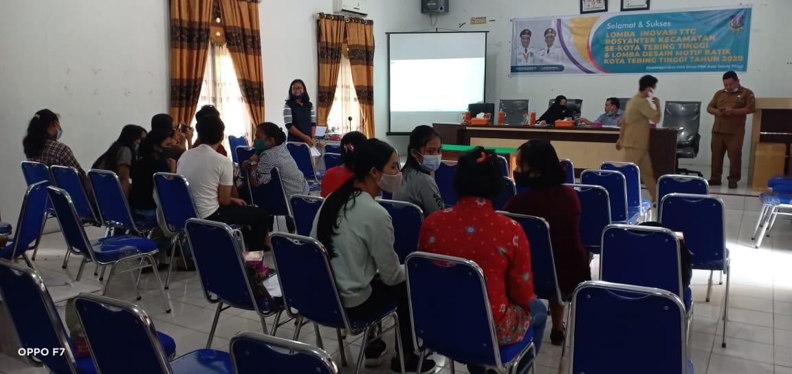 Dinas PMK Tebingtinggi Gelar  Inovasi TTG dan Desain Motif Batik Dengan Menerapkan Protokol Kesehatan