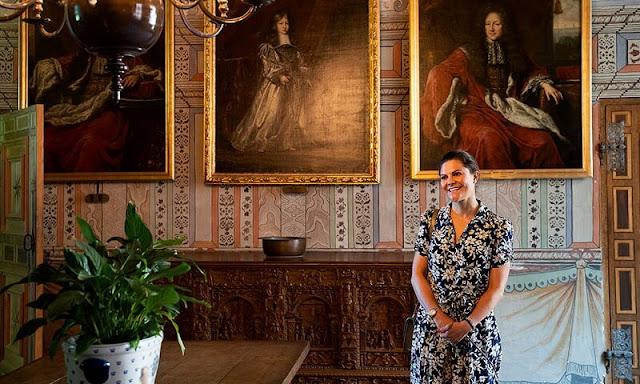 Crown Princess Victoria wore a new floral print shirt dress by Ralph Lauren. Ralph Lauren all-over floral print shirt dress