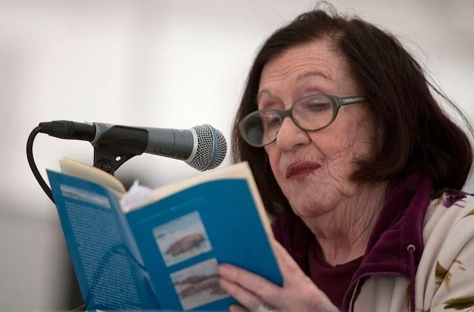 #YoMeQuedoEnCasaLeyendo #Poesía El primer animal, de Thelma Nava