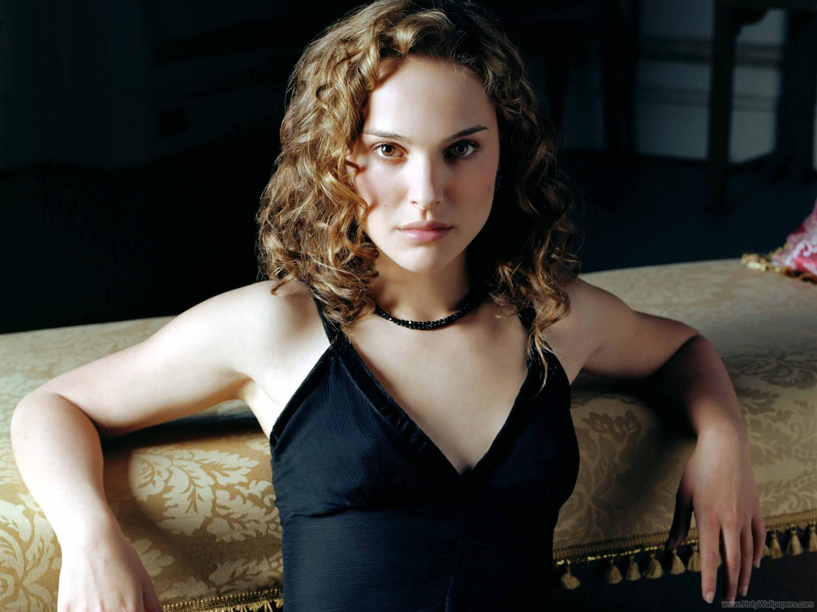 Natalie Portman Hollywood Wallpapers