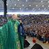 'Maria passou na frente' diz Padre Marcelo após ser empurrado de altar durante missa
