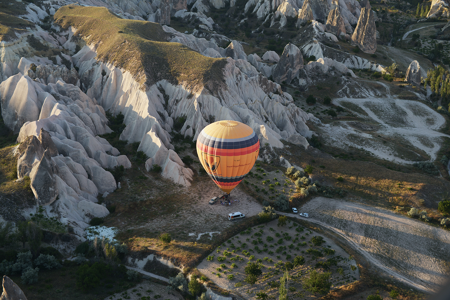 Hot Air Balloon Sunrise / Cappadocia, Turkey Photo Diary / Sultan Cave Suites Hot Air Balloons, Cappadocia Turkey, Hot Air Balloons Turkey, Turkey Travels, Travel Photodiary Turkey, Cappadocia Goreme, Sultan Cave Suites / FOREVERVANNY.com