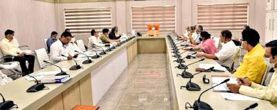 मुख्यमंत्री योगी के प्रवासी कामगारों/श्रमिकों के लिए रोजगार की कार्ययोजना तैयार करने के निर्देश    Instructions to prepare an employment plan for the