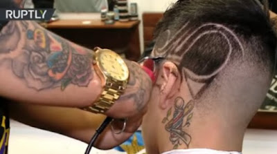 See Cute Man Born Without Hands Who's A Professional Barber