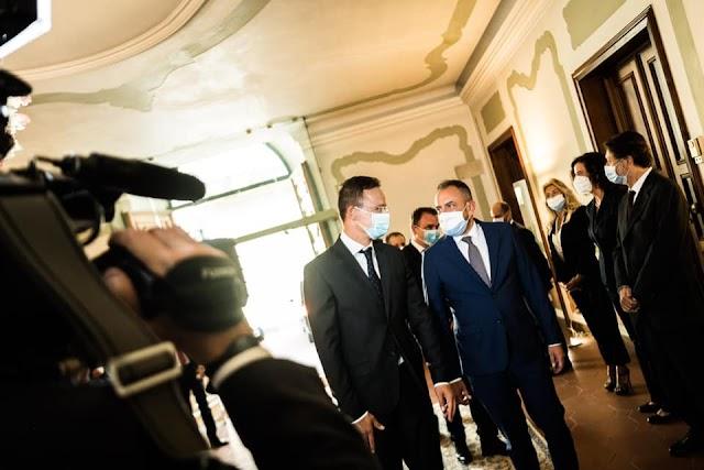 Szijjártó Péter: Együtt kell működniük azoknak az európai országoknak, amelyek érzékenyek nemzeti identitásukra