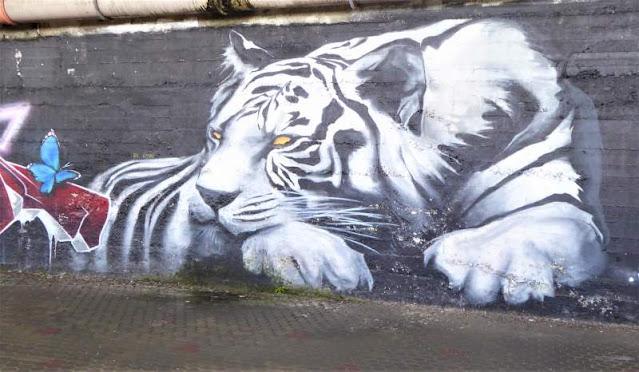 murale con tigre passeggiata Arenzano