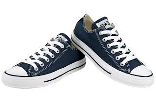 94fef0f3f9b731 Converse All Star Chuck Taylor OX M9697 Authentic Navy Blue Canvas Shoes  Women · ราคา 3200 บาท · รองเท้าผ้าใบ หุ้มส้น สีน้ำเงินเข้ม รุ่น M9697  ผู้หญิง