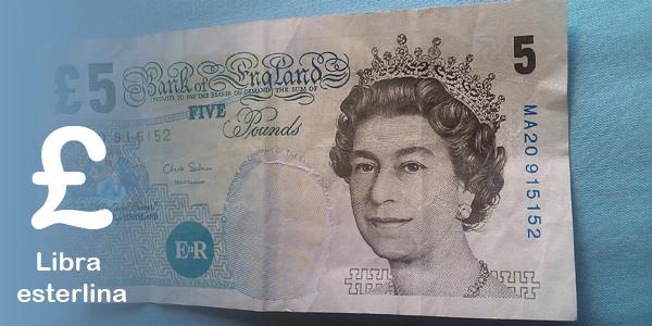 Billete de 5 libras usado en Inglaterra
