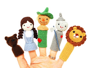 crochet-pattern-PDF-amigurumi_finger_puppets-doll-the-wizard-of-Oz-Dorothy-Lion-Tinman-Scarecrow-Toto