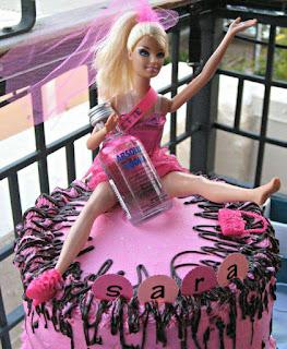Imagenes de humor - tortas de barbie ebria