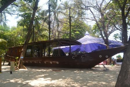 PAKET TOUR TRAVEL PULAU AYER
