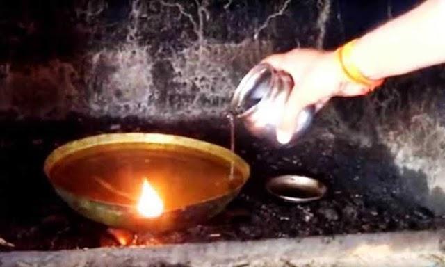 इस मंदिर में नदी के पानी से दीपक जलाया जाता है,वजह जानकर आपको नही होगा यकीन
