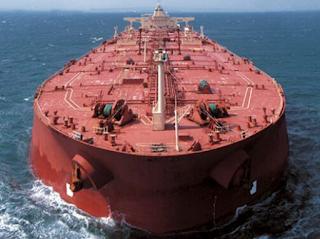 الولايات المتحدة تحذر ناقلات النفط الصينية من شحن النفط الإيراني
