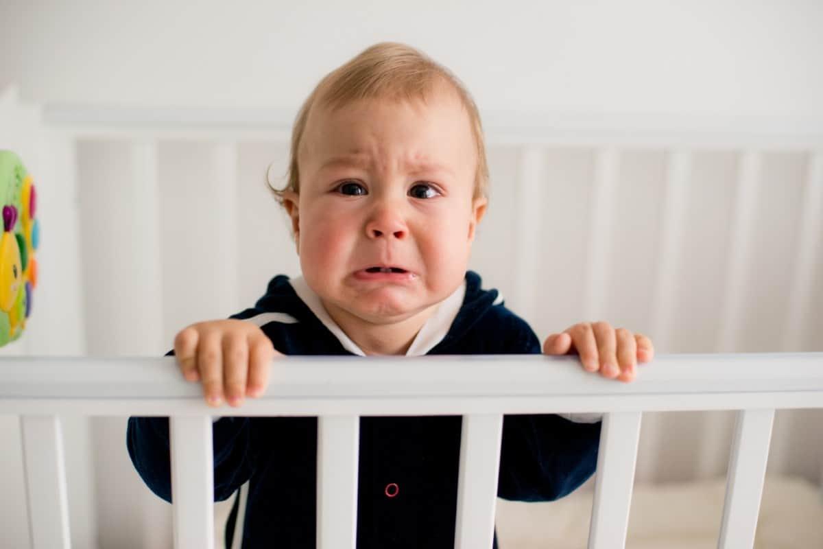 Làm sao giúp Bé đi chơi bớt 'ọ ẹ' quấy khóc?