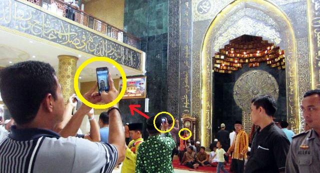 Bukannya Buat Ibadah Malah Jadi Tempat Wisata, Inilah Tanda-tanda Kiamat Yang Sudah Nyata!