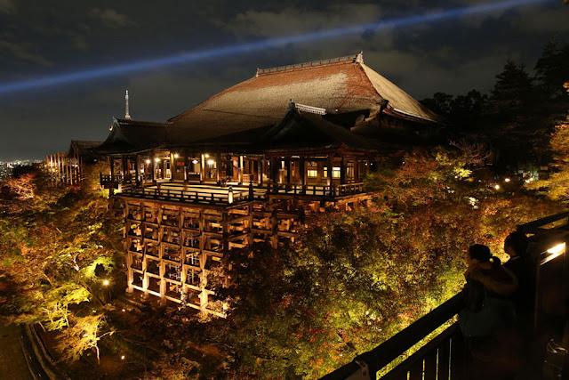 Kiyomizu-dera (temple), Kyoto in Autumn Light Up