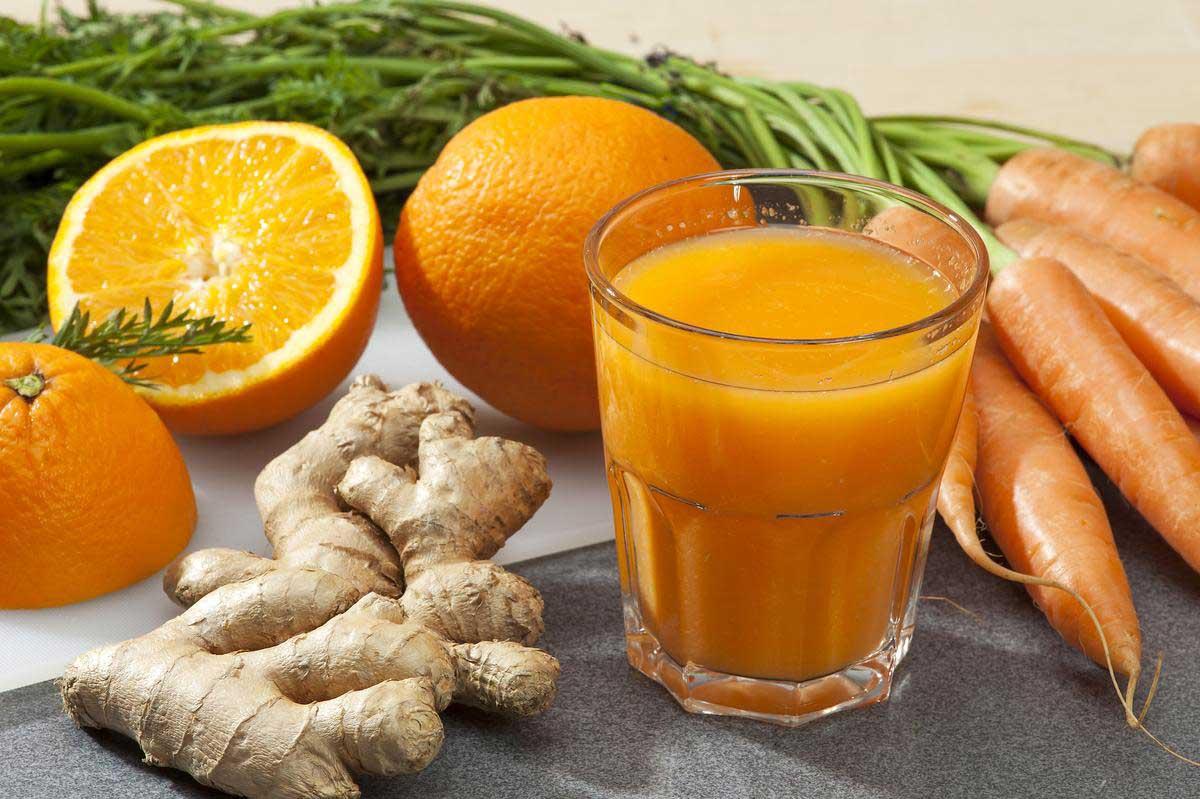 Pourquoi vous devez boire ce jus frais de carotte au gingembre