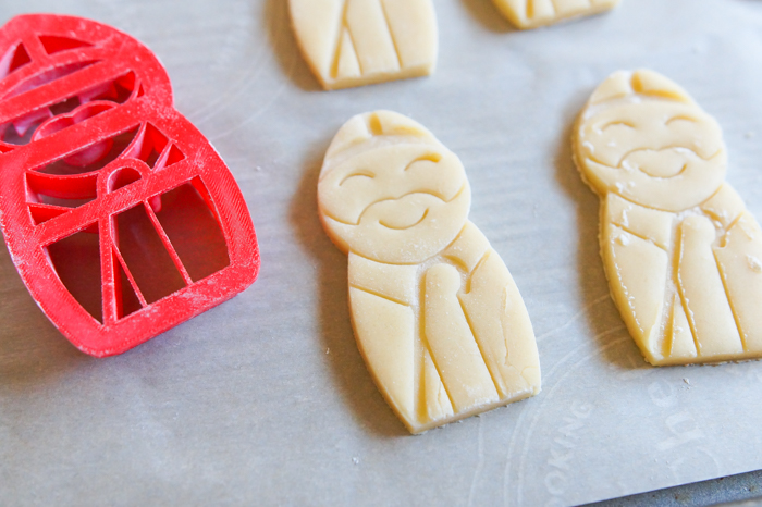 how to make St. Nicholas' Day Decorated Cookies ♥ bakeat350.net