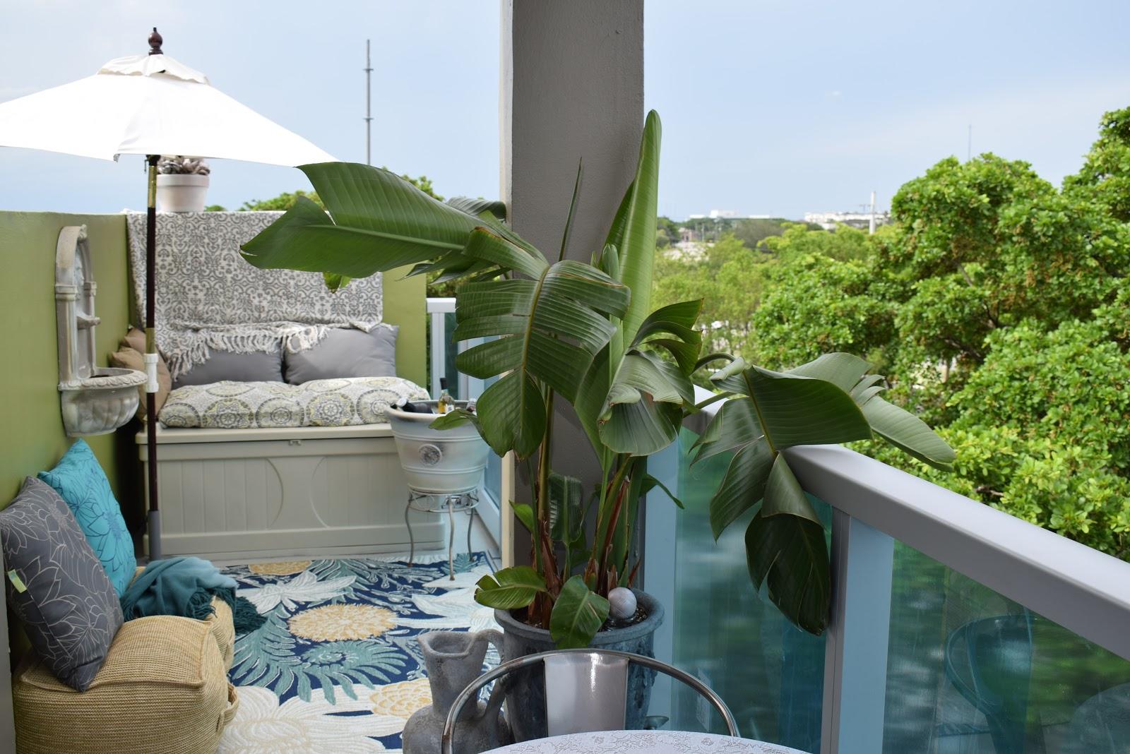 Outdoor area rugs, Sunbrella, patio cushions, throws, pillows, fiberglass fountains,  By: JoFer Interiors