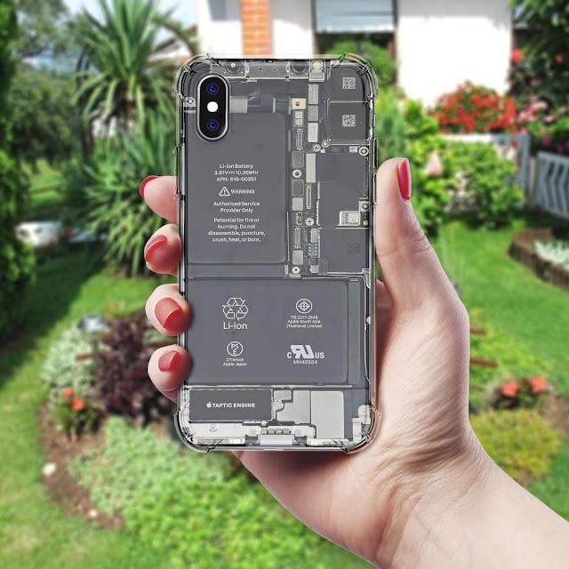 Mockup Softcase Anti Crack iPhone X Dipegang tangan