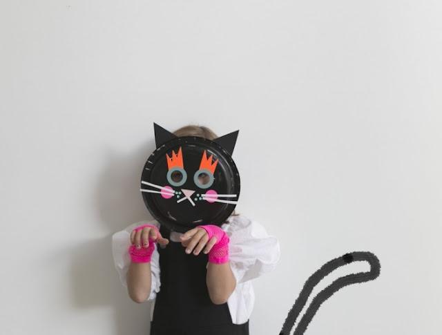 Máscara de gato hecho con plato