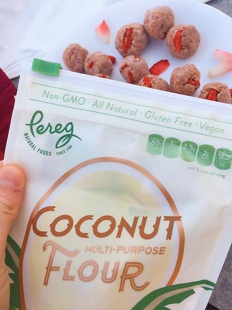 Date Free Berry Banana Energy Balls (Gluten Free, Vegan)