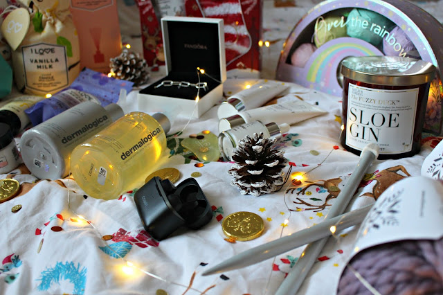 Danielle Levy, Christmas Gift Guide, Blogmas, Pandora, I Love Cosmetics, Baylis & Harding, Beeswax wraps, I Love Crafts, Liverpool blogger, Wirral blogger, lifestyle blogger,