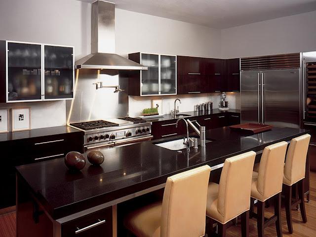 แบบห้องครัวโมเดิร์นโทนสีเข้ม