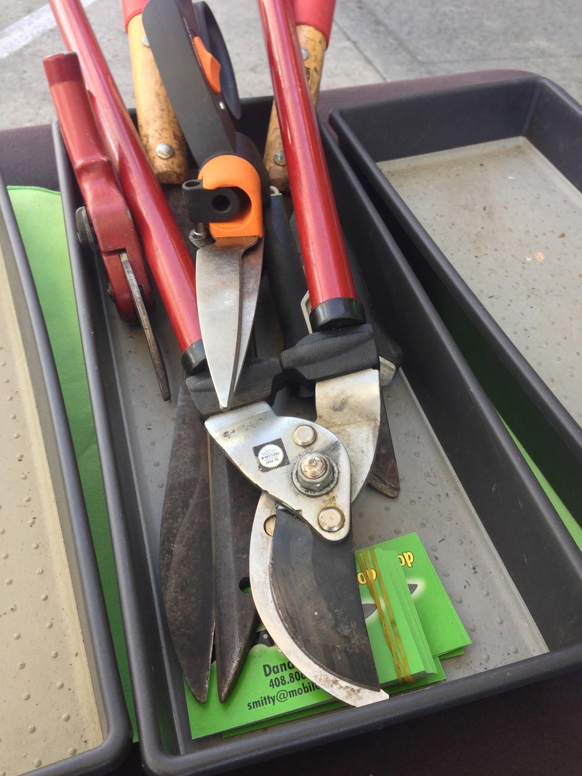 Mobile Knife Sharpening / Knife Sales: Yes, I Sharpen