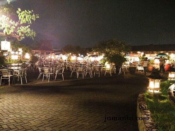 outdoor paskal food market bandung