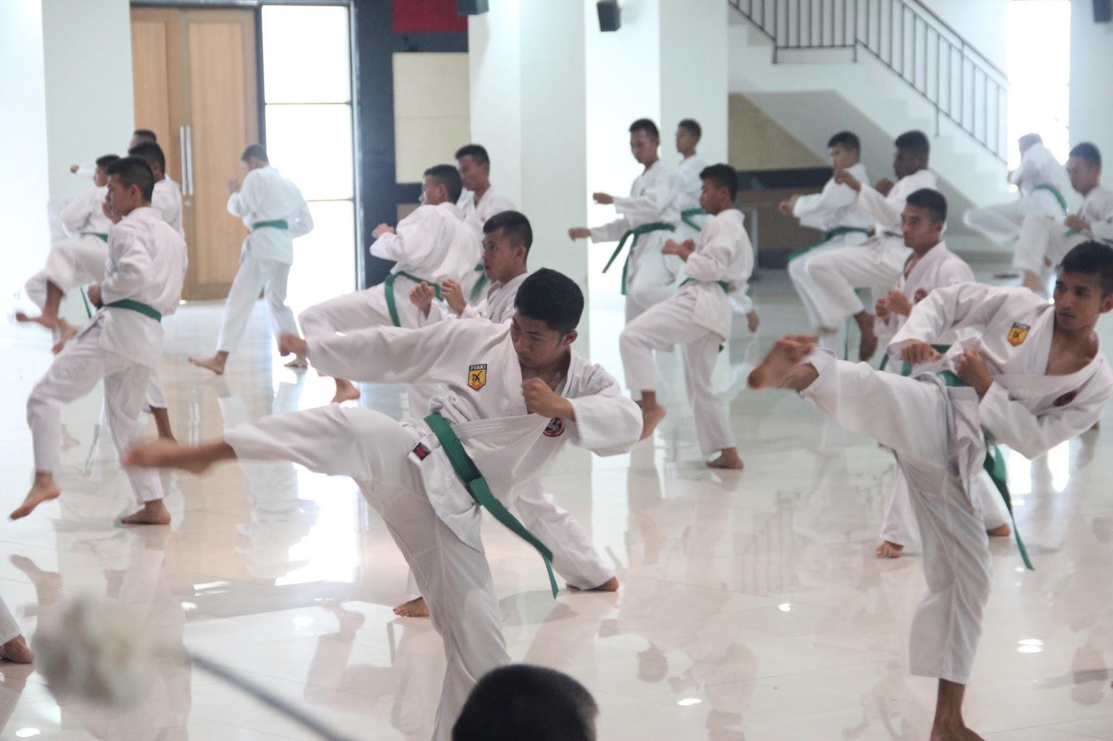 Sabtu, 6 Juni 2015, bertempat di Balairung Dharma Satya IPDN Kampus Sumatera Barat pengurus Karate-Do Sumatera Barat kembali menyelenggarakan ujian karate kenaikan tingkat/sabuk bagi satuan madya praja yang menyandang sabuk kuning dan nindya praja yang  menyandang sabuk hijau. Pelaksanaan ujian diawali dengan