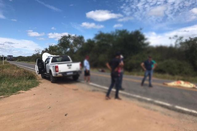 Homem morre após acidente entre motocicleta e picape na BR-030
