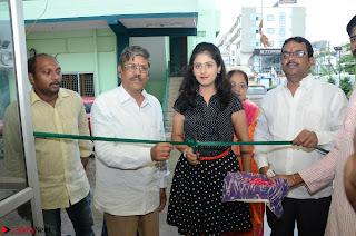 Actress Sapna Prakash Launches  Pochampally IKAT Art Mela @ Kakinada