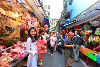 Tourist destinations for shopping lovers